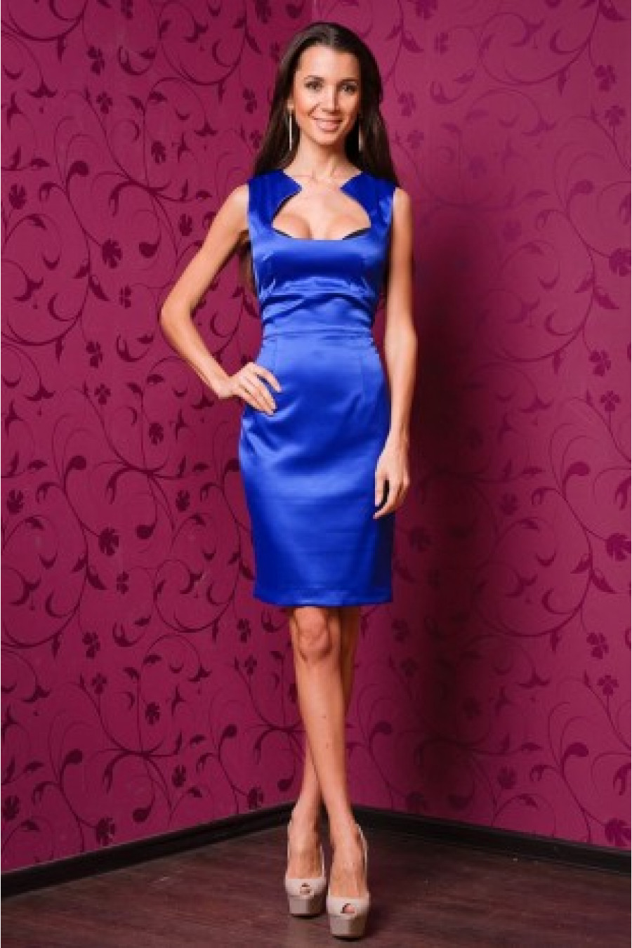 Фото платье футляр из атласа